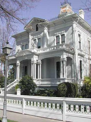 McHENRY mansion