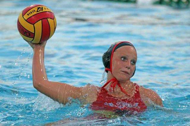 10-10 OAK Water Polo girls