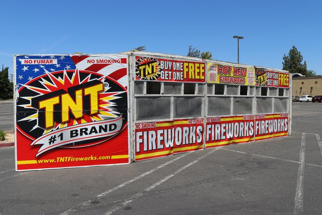 Fireworks booth Ceres