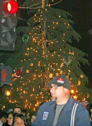 tree lighting pic1