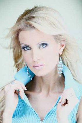 Nashville-singer-3-LT
