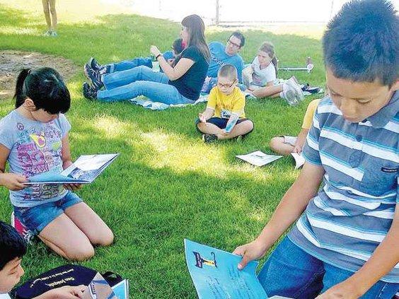 SCHOOLS-Lincoln-summer-reading-6-4-LT