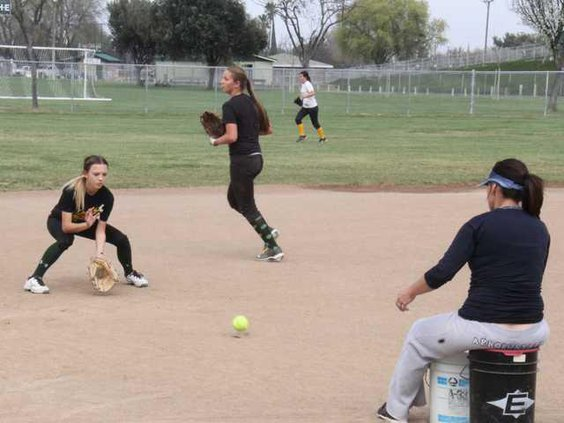 Hilmar SOftball preview