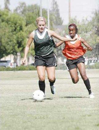 Womens soccer pic1