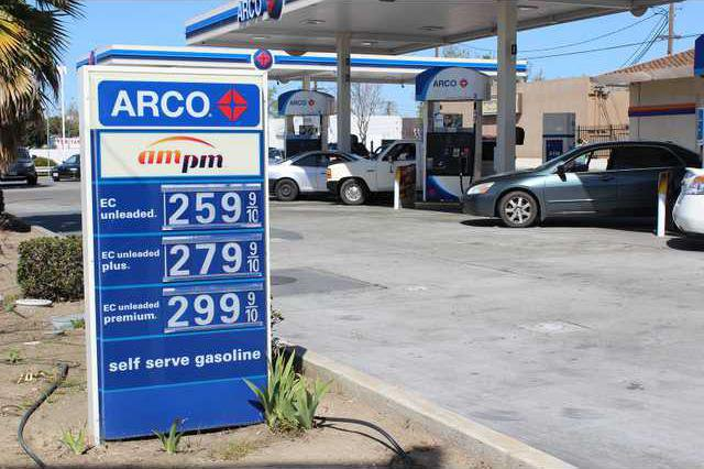 Gas Station Prices >> Gas Prices Pass 4 A Gallon Mark Manteca Bulletin