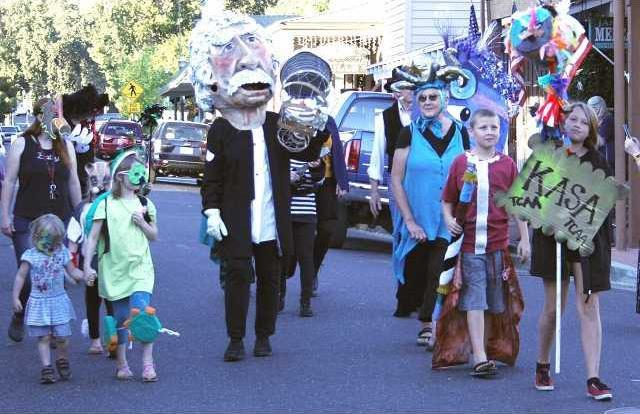 Parade 9-27 pix