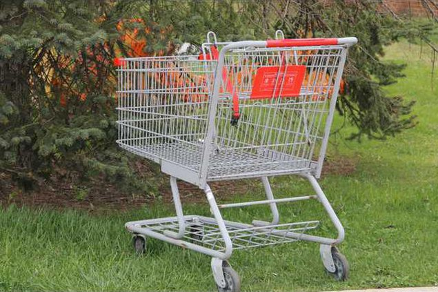 abandoned-shopping-cart-south-railroad-street-tamaqua-1