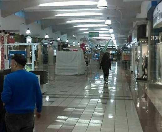 pic mall walkers 1 n