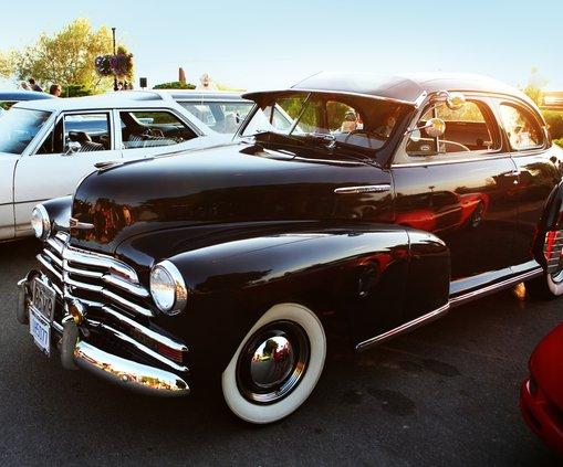 antique car.jpg