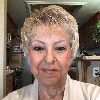 Joyce Lindsay obit