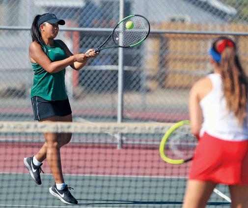 Bulletin girls tennis 2019