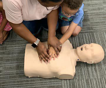 CPR training DSC_1011.jpg