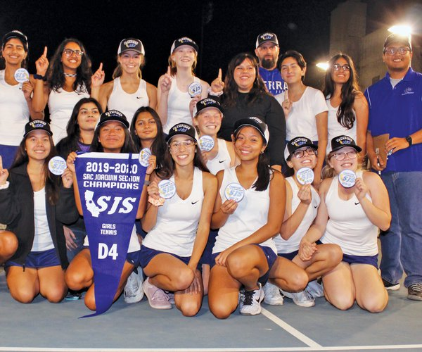 Bulletin girls tennis 2019