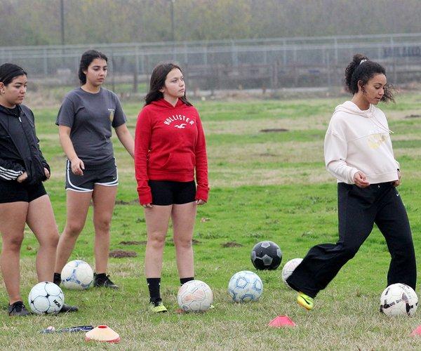 Denair girls soccer